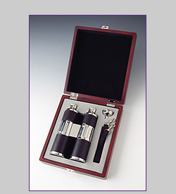 Photo of Binoculars Flask Set