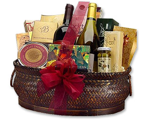 Photo of Deluxe Wine & Gourmet Basket