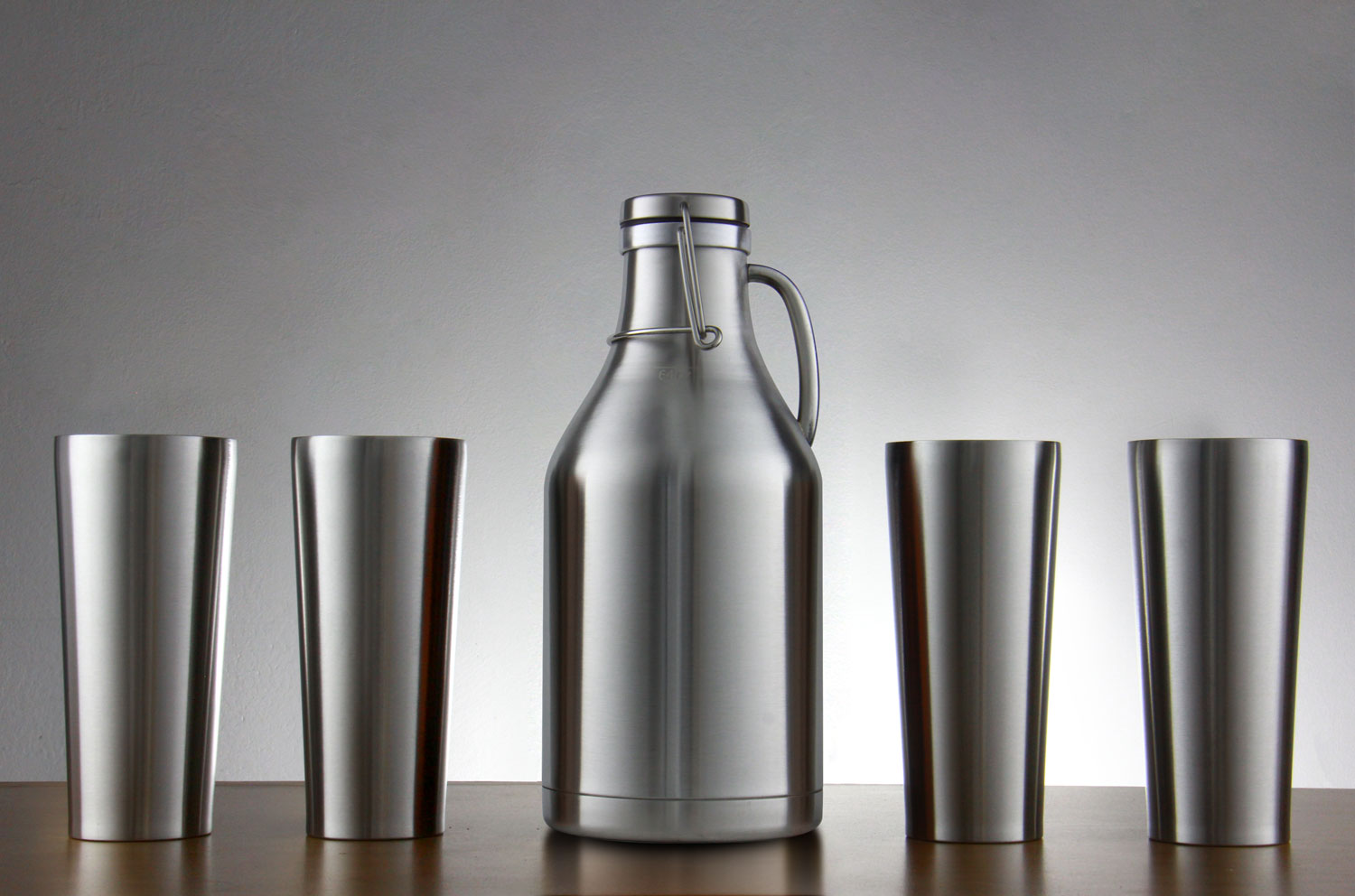 Kegco Stainless Steel Growler and Pint Set